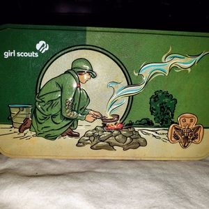 Girl Scouts 2017 cookie tin